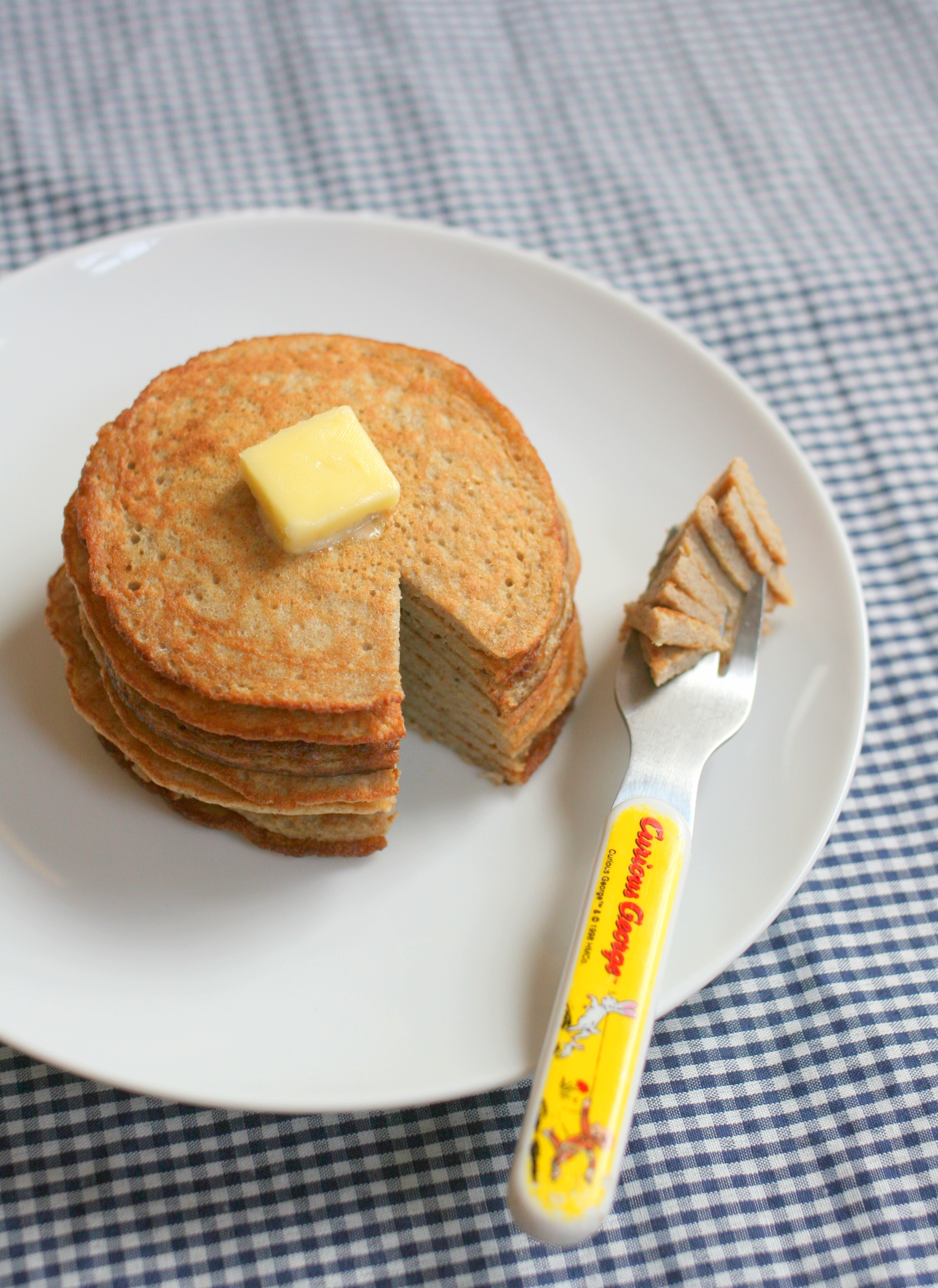 Two-Ingredient Pancakes Recipe and Tips | Hellobee
